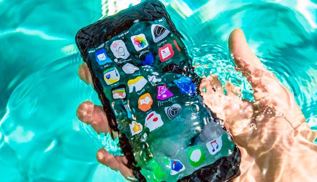 Galaxy S8 под водой